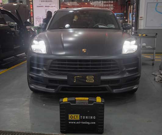 新款黑色保时捷Macan刷OCT 252动力刷305动力
