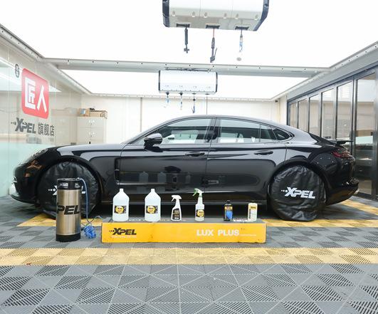 新款黑色Panamera贴XPEL隐形车衣